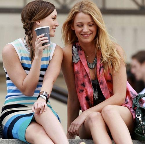 Blair-and-Serena-girls-of-gossip-girl-23443345-500-496